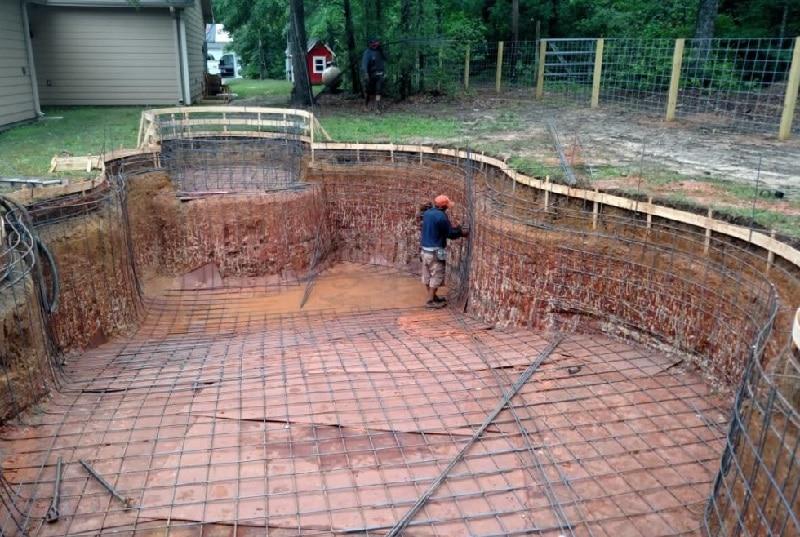 Процесс строительства бассейнов